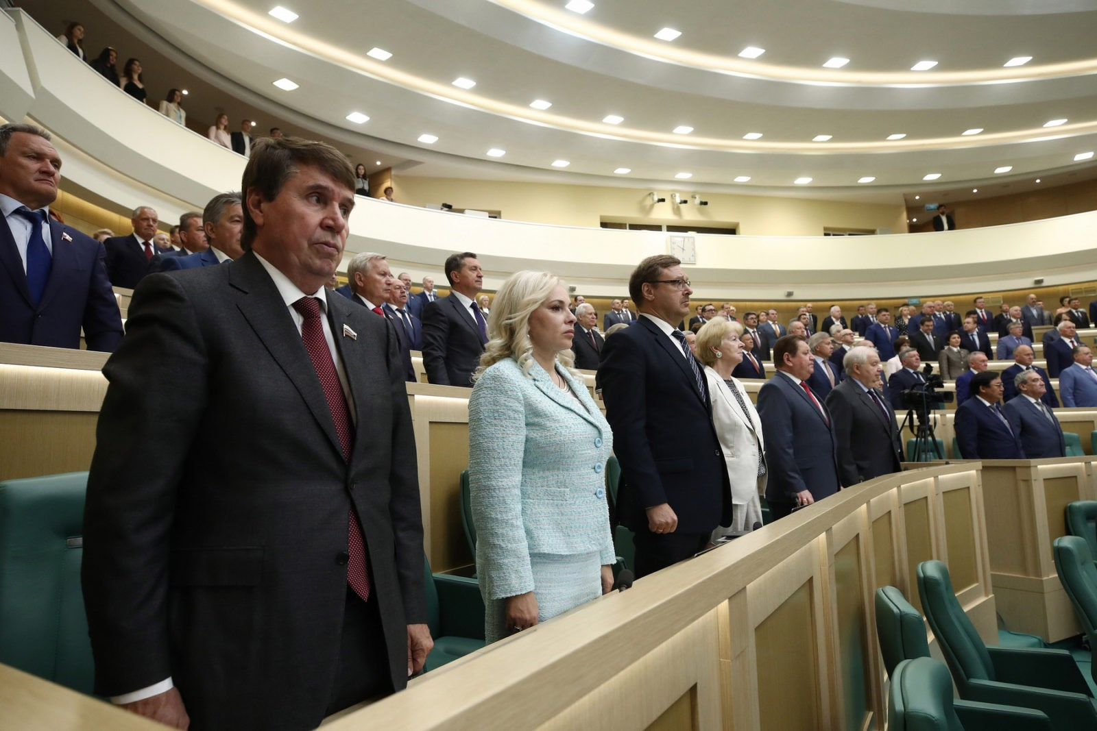 Almost all State Duma deputies refused a minute of silence in memory of Nemtsov 02.26.2016 2
